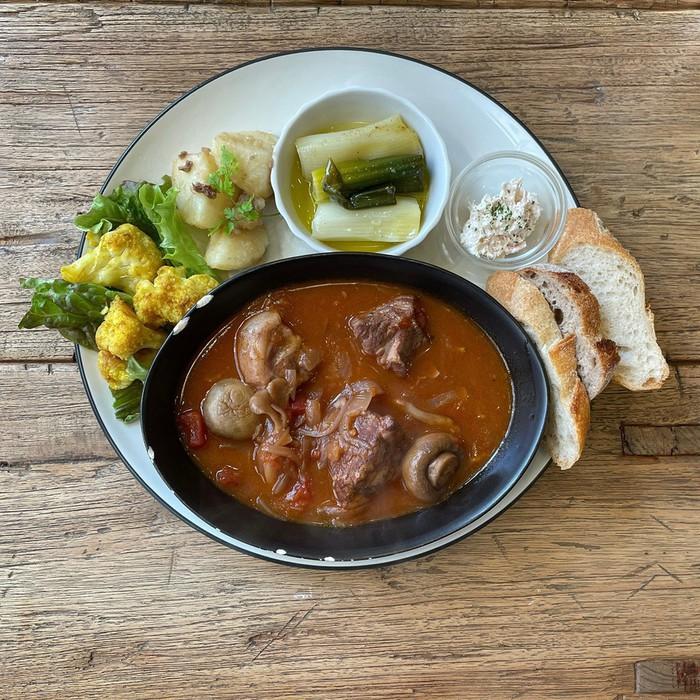 千駄木の人気の古民家カフェ、ケープルヴィル。隠れ家カフェで美味しい西洋風のデリランチ が口コミで人気です。