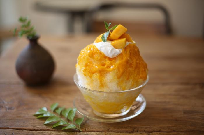 谷中・千駄木の名物かきごおりをおしゃれな古民家カフェでゆっくりと。マンゴーがたっぷりのった、マスカルポーネ入りのおしゃれな人気かき氷。