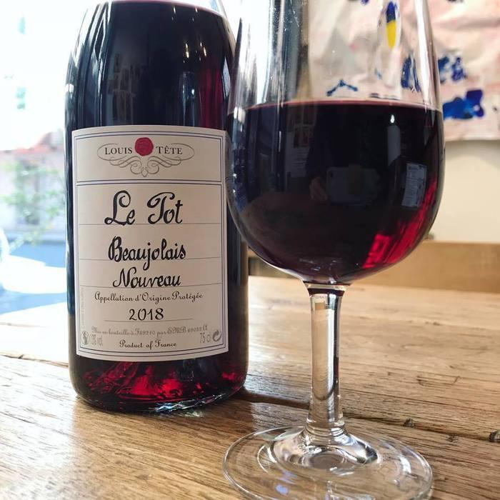 ボジョレー・ヌーヴォー2018年が解禁となりました。文京区千駄木のワインのおいしいビストロカフェ、ケープルヴィルでは、グラスで、ボトルでボジョレーがいただけます。ランチやディナープレートも大変ワインと合うお味です。