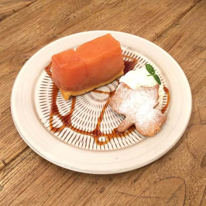 パティシエの作ったタルトタタン、人気。