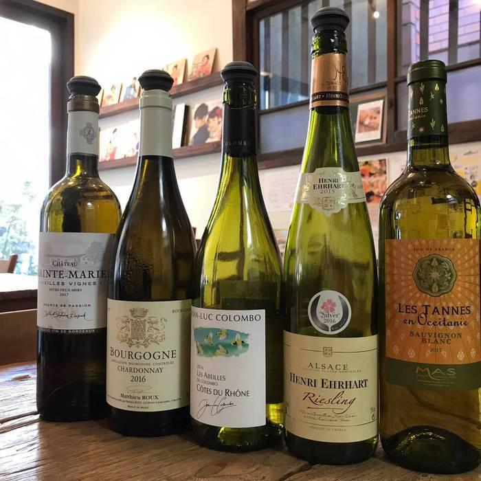 白ワインリスト。グラスワイン。ブルゴーニュワインなど。
