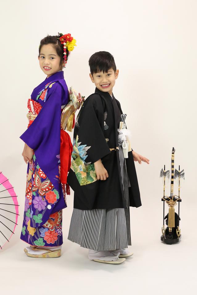 5歳男の子とおねえちゃん、7歳の七五三を一緒に東京都文京区千駄木のフォトスタジオで撮影