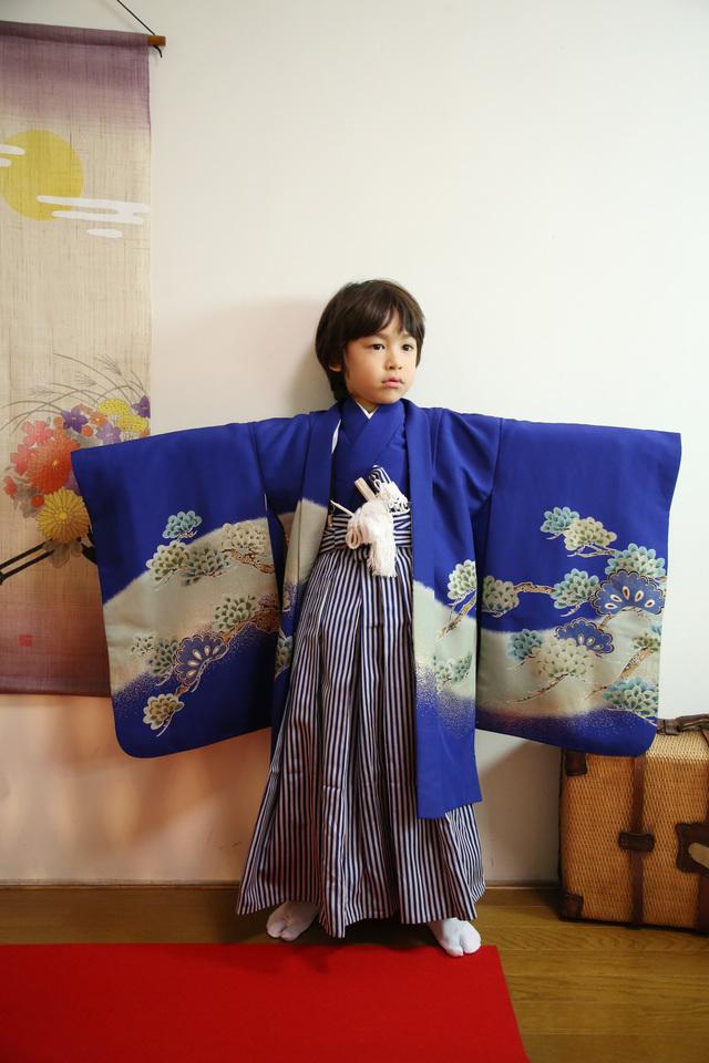 5歳の七五三は古民家の2階のフォトスタジオで、格好良く、おしゃれに。和風が粋な写真館。