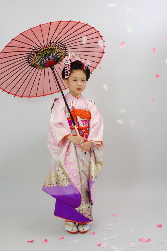 7歳女の子の七五三撮影を台東区の諏訪神社にて出張撮影で。