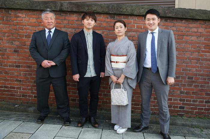 ご家族撮影のため、遠路はるばる文京区千駄木のケープルヴィル写真館までお越しくださいましたご家族。