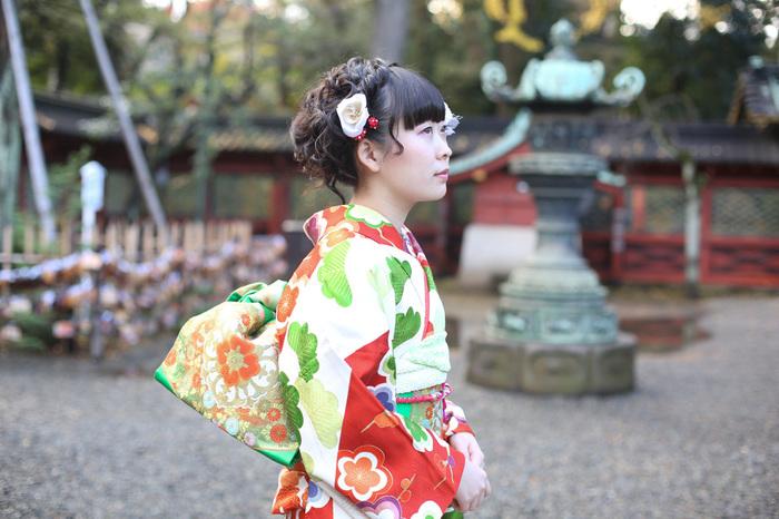 成人式を根津神社で記念撮影