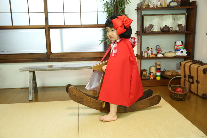 和室スタジオでは木馬にのりました