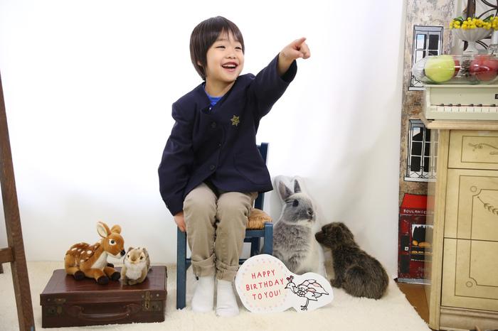 僕の誕生日にバースデー撮影と小学一年生になった記念を一緒に東京、文京区千駄木の写真館でプロの写真家にとってもらう