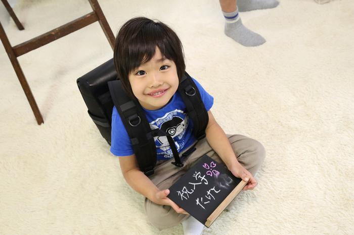 子供のポートレートをおしゃれ にかっこよく、すてきにさわやかな笑顔で撮影してくれるクチコミの多い人気写真館、ケープルヴィルのスタジオは文京区千駄木にあります。