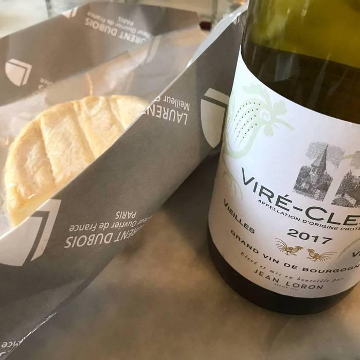 フランスの白ワインをフランス産のシェーブルチーズに合わせて。