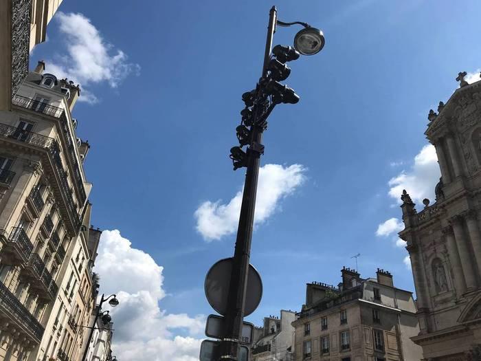 パリ・フランス。5月の街の様子。
