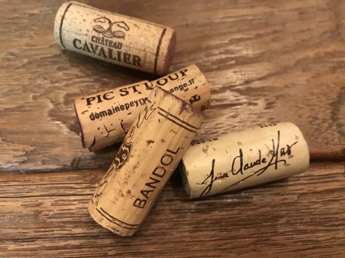 コルクもかわいいフランスのワインボトル