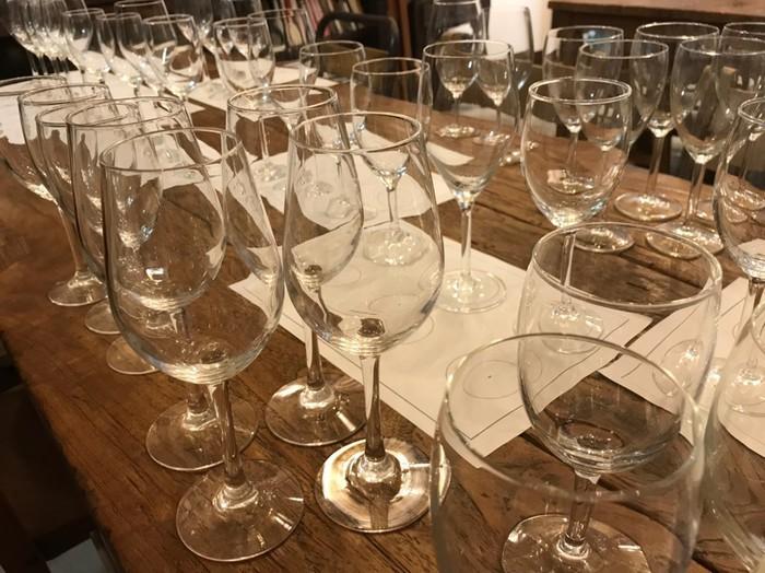 千駄木ケープルヴィルのソムリエによるワイン会。初心者も楽しく参加できます。